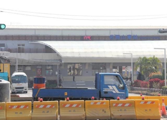 高雄捷運岡山站3年後通車 連接車站天橋加速推動